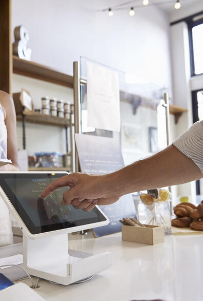 SMALL FORM TOUCH DISPLAYS ENHANCE RETAIL EXPERIENCE