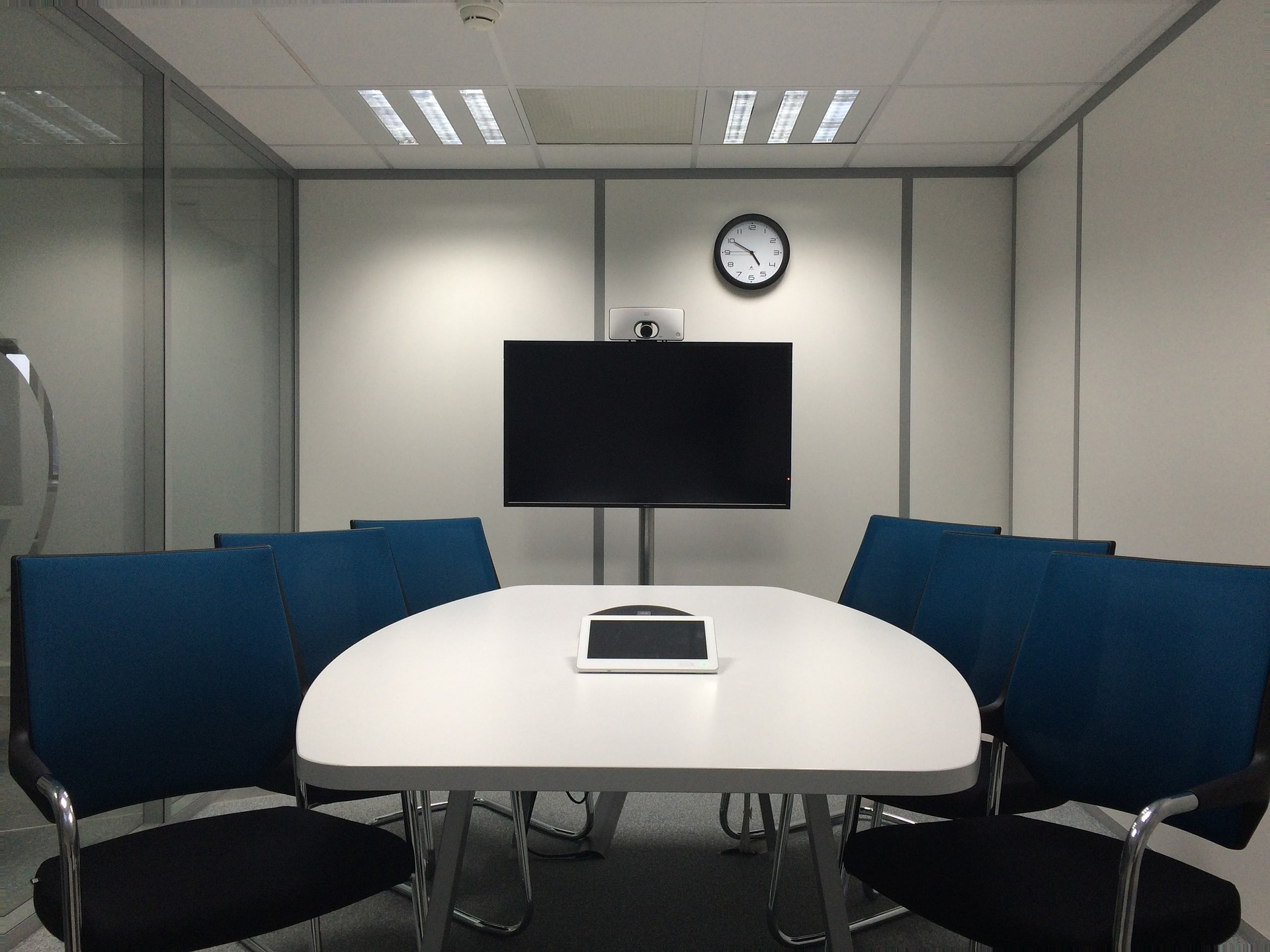 meeting-room-1806702_1920